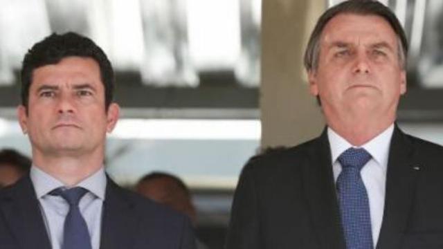 Sergio Moro divulga conversas que apontam pressão de Bolsonaro à troca de diretor da PF