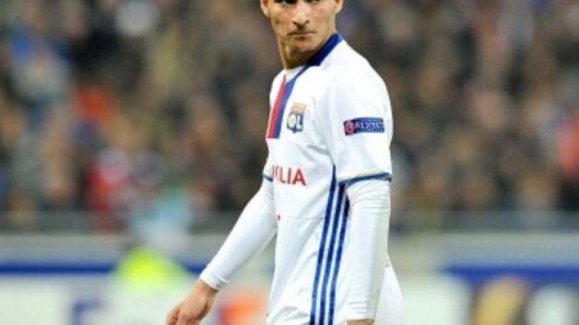 Juventus, non solo Arthur: interesse per Aouar del Lione