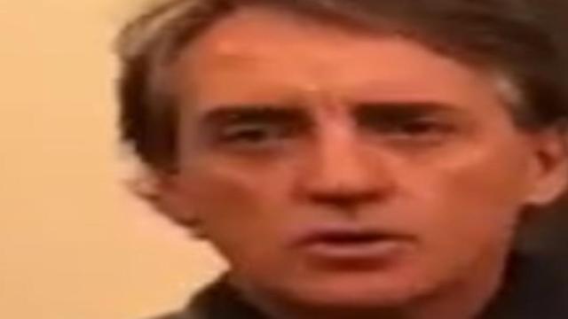 Roberto Mancini: 'Spero che la Juve dia fiducia a Bernardeschi'