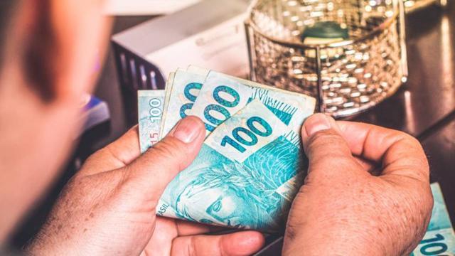 Começará nesta segunda-feira (27) o saque em dinheiro do auxílio emergencial