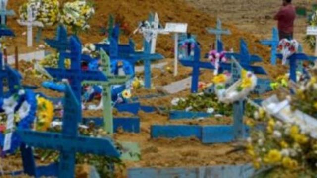 Manaus tem recorde de 140 enterrados em um mesmo dia
