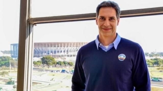 Lacombe defende Bolsonaro e 'detona' Joice Hasselman ao vivo