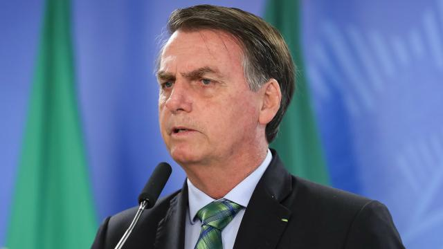 Bolsonaro fala sobre indicação de amigo do filho para comando da PF: 'e daí?'