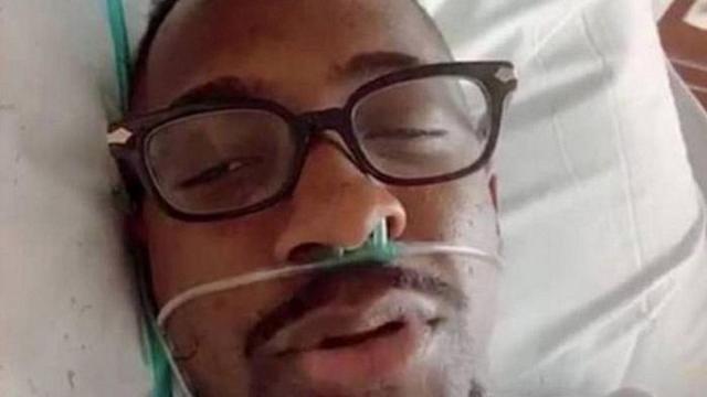 Mumuzinho respira com ajuda de oxigênio em hospital após se infectar como o coronavírus