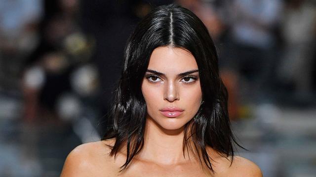 Elle fait un road trip pendant le confinement, Kendall Jenner attrapée par les paparazzis