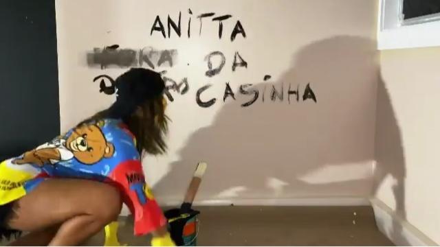 Anitta estréia programa em maio, direto de sua casa.