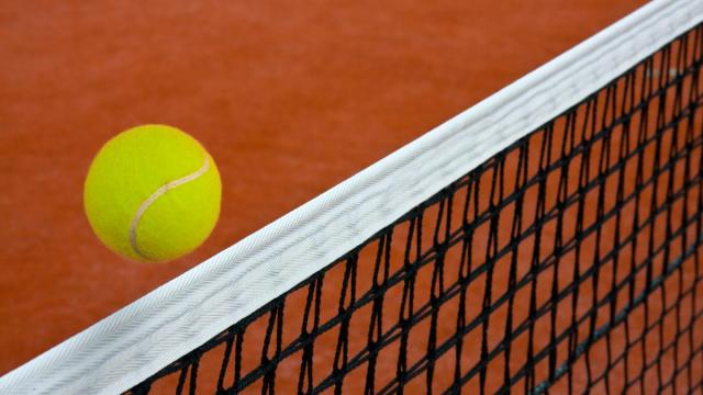 Tennis, a Pontedera firmata ordinanza: dal 4 si potrà giocare