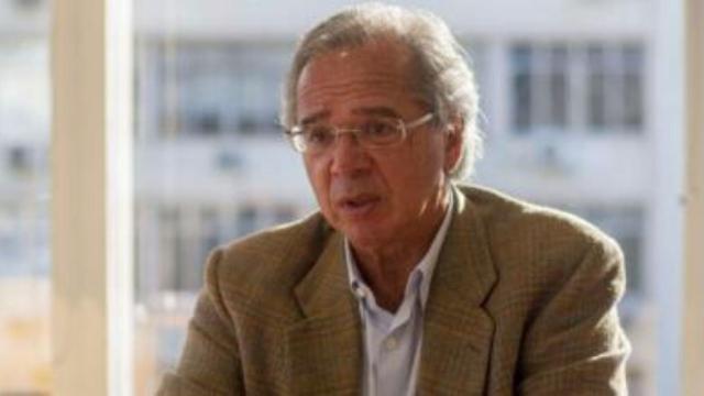 Guedes diz que país poderá emitir moedas caso o desemprego aumentar