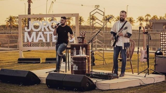 Jorge e Mateus realizam segunda live, e atingem mais de 2 milhões de acessos simultâneas
