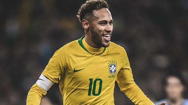 Neymar Junior recusa proposta milionária para permanecer na França