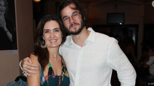 Apresentadora Fátima Bernardes comemorou os 30 meses de namoro