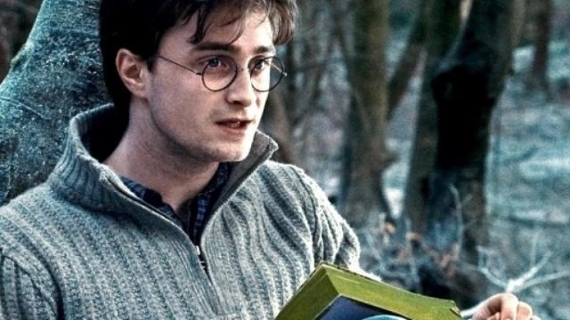 Harry Potter, Daniel Radcliffe legge primo capitolo della saga per i fan in quarantena