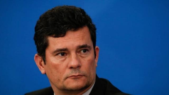 Jair acusa Sergio Moro de crime federal