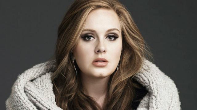 Cantora Adele faz primeira publicação de 2020 no Instagram e fãs elogiam corpo magro
