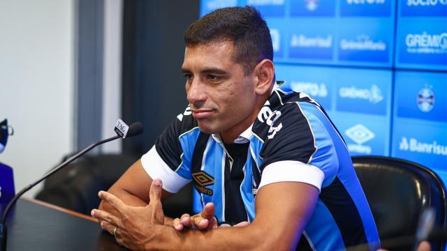 Diego Souza é diagnosticado com coronavírus