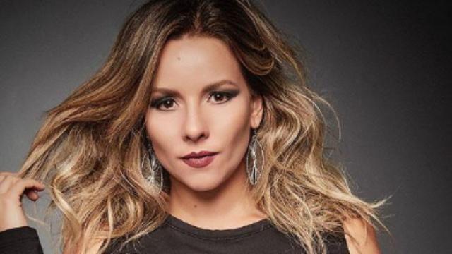 'As Aventuras de Poliana' fãs mirins perseguem atrizes