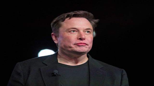 Elon Musk y Grimes celebran la llegada de su hijo