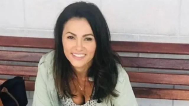 Suzana Alves chora ao relembrar passado como Tiazinha