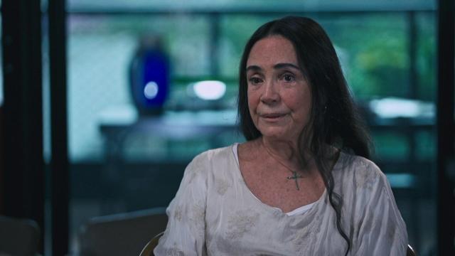 Regina Duarte se irrita após entrevista com à CNN Brasil