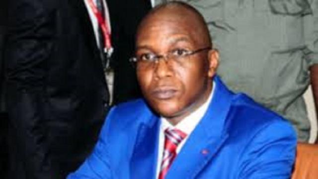 Cameroun-Coronavirus : Atanga Nji remet 5000 tests rapides au Ministre de la Santé