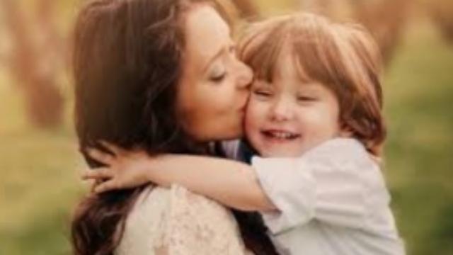 Cinco curiosidade sobre as mães do signo de Gêmios