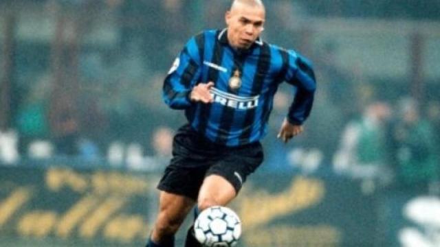 Ronaldo su scontro con Iuliano nel '98: 'Capita di sbagliare, Juve non c'entra nulla'