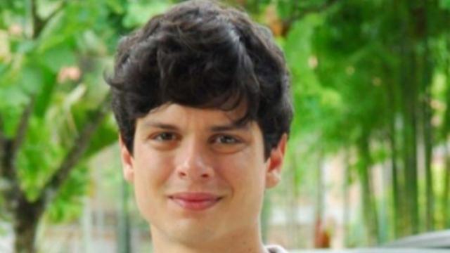 Ator Eduardo Pires é flagrado em suposta boca de fumo no RJ