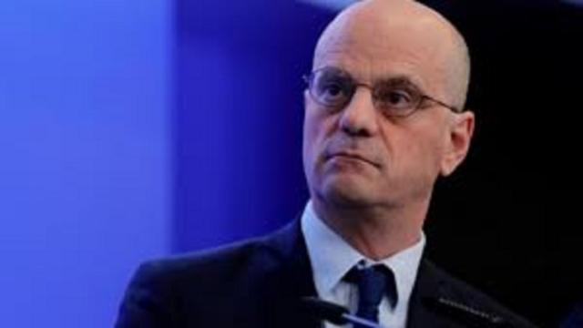 Jean-Michel Blanquer tente de rassurer des parents inquiets