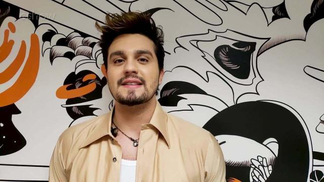 Luan Santana comenta que adiou planos do seu casamento com Jade Magalhães
