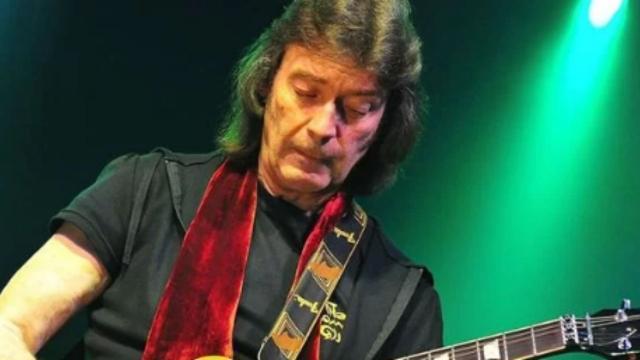 Ex-guitarrista do Genesis, Steve Hackett lança biografia