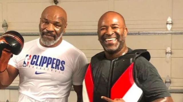Lutadores de boxe Mike Tyson e Holyfield anunciam volta aos treinos