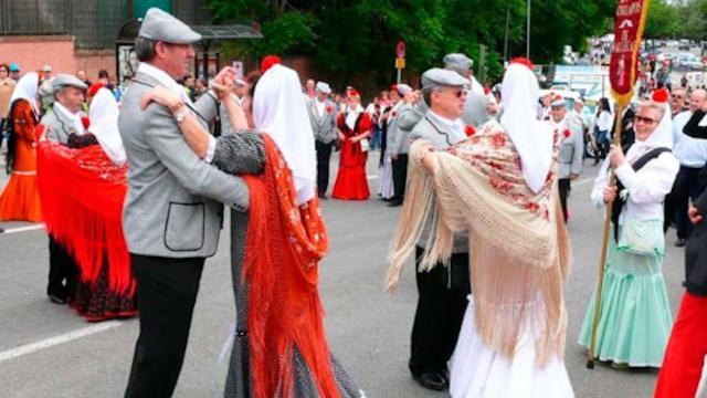 Los madrileños celebran el día de San Isidro desde el confinamiento