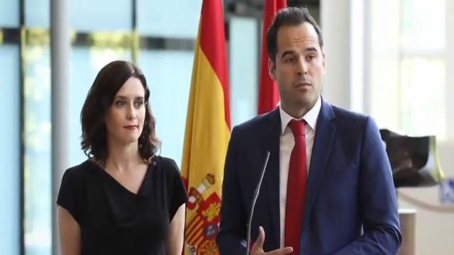 Isabel Díaz Ayuso insinúa que Ciudadanos mete su 'mano negra' en el caso del aparthotel