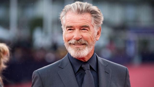 El actor irlandés, Pierce Brosnan, cumple cumple 67 años