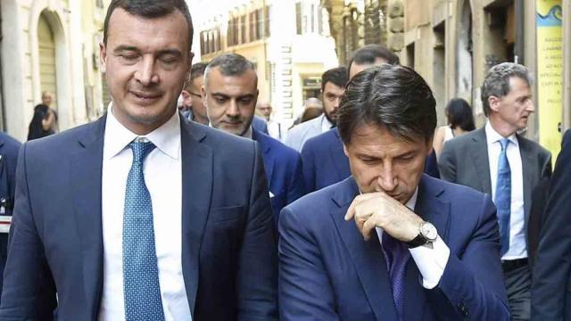 Conferenza stampa Conte, Sardone: 'L'Italia purtroppo deve sopportare lui e Casalino'