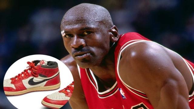Por más de medio millón de dólares se vendieron unas zapatillas de Michael Jordan