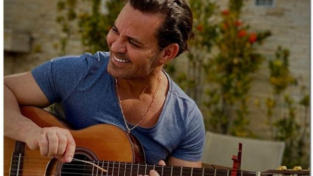 O cantor Eduardo Costa anuncia que não realizará mais shows em 2020