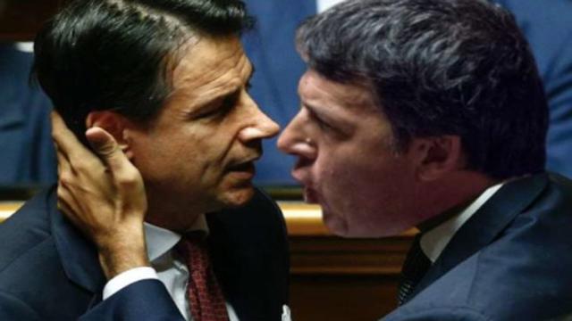 Caso Bonafede, Paragone attacca: 'Renzi tiene il governo in ostaggio'