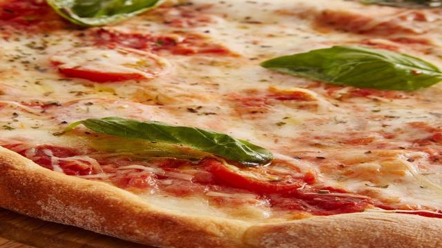 Le cinque pizze da Guinness più costose al mondo: 12.000 dollari per la 'Luigi XIII'