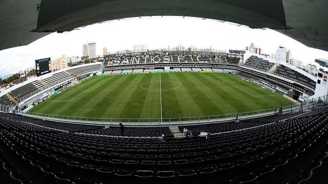 Santos inaugurou 20 estádios de futebol durante sua história