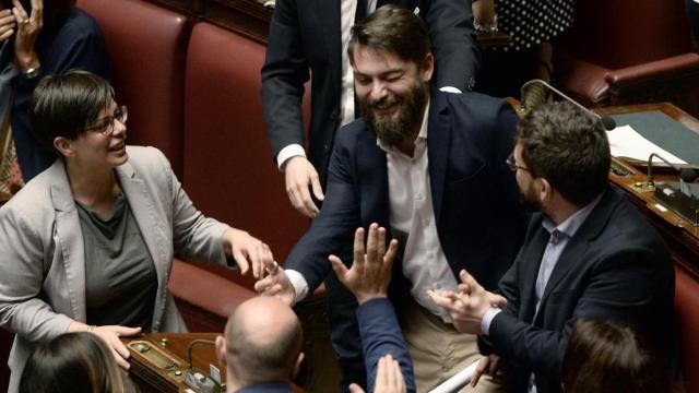 Porro critica Travaglio sul caso Ricciardi: 'Lo difende, è il MinCulPop del Governo'