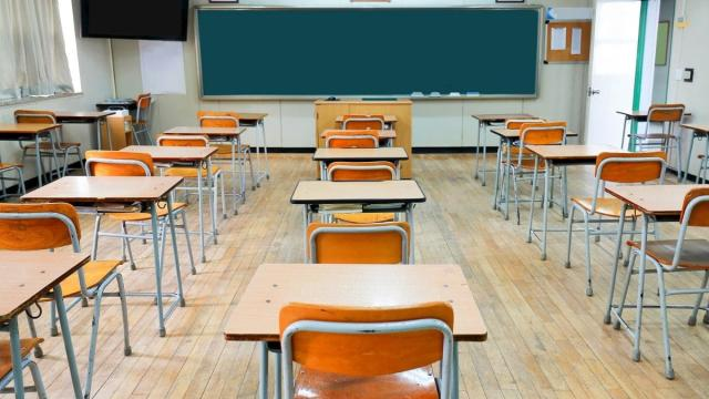 Francia, malinteso scuole chiuse: sono circa una decina per 70 nuovi casi di Covid-19
