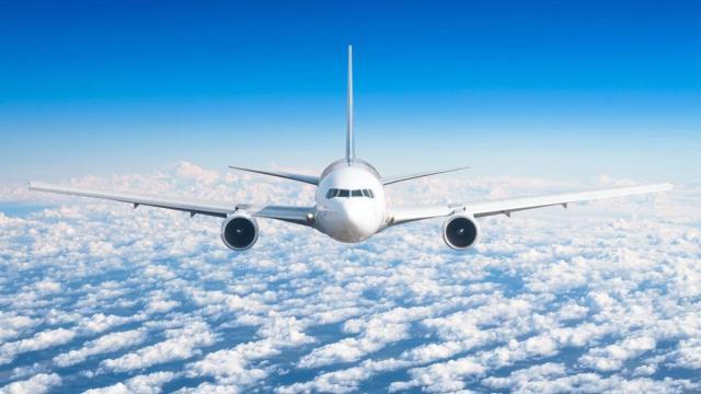 Voli Ryanair: mascherine obbligatorie, no alla quarantena in Gran Bretagna