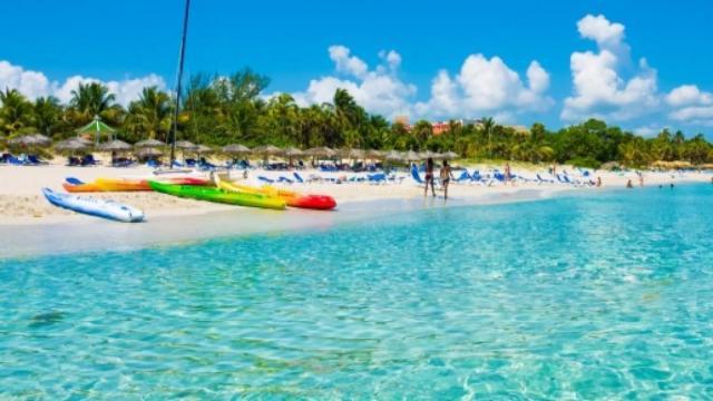 Vacanze, bonus da 500 euro per andare in ferie: 80% come sconto fattura commerciale