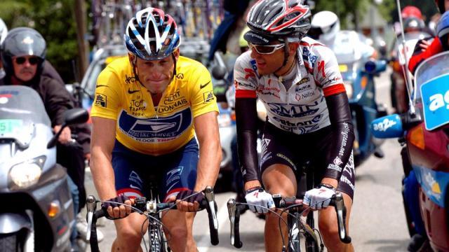 Ciclismo, Simeoni su Lance Armstrong: 'mi bullizzò, ma merita una seconda possibilità'