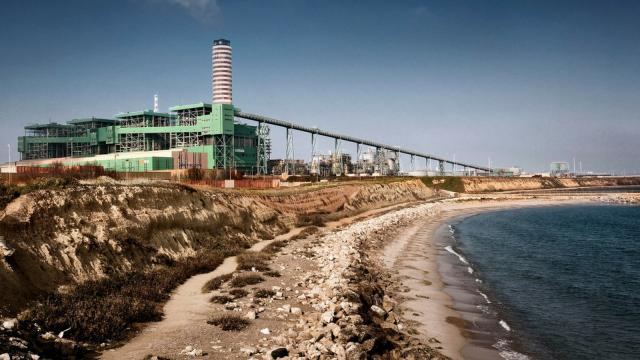 Cerano, Enel pronta a chiudere il gruppo 2 della centrale a carbone