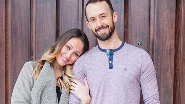 Youtuber Myka Stauffer e marido devolvem filho autista três anos após adotá-lo