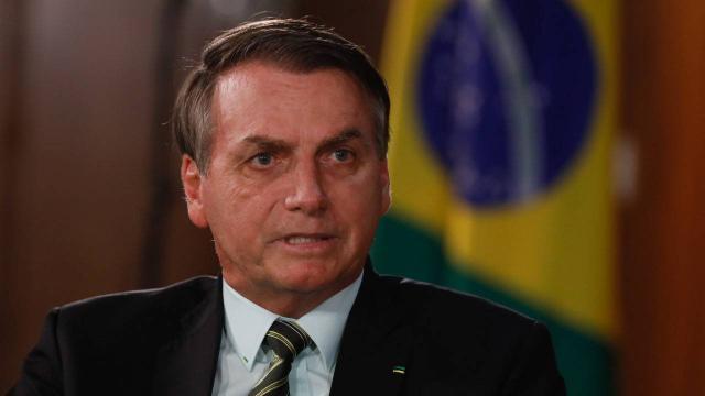 Jair Bolsonaro xinga inquérito das fake news