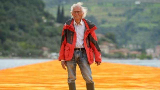 Addio a Christo, il creatore del The Floating Piers è deceduto a 84 anni