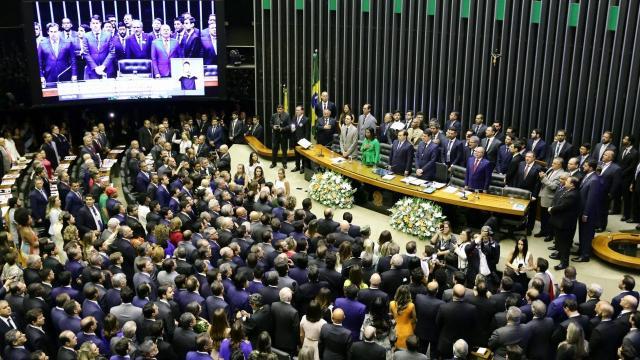 Senado aprova suspensão em reajuste de valores em medicamentos